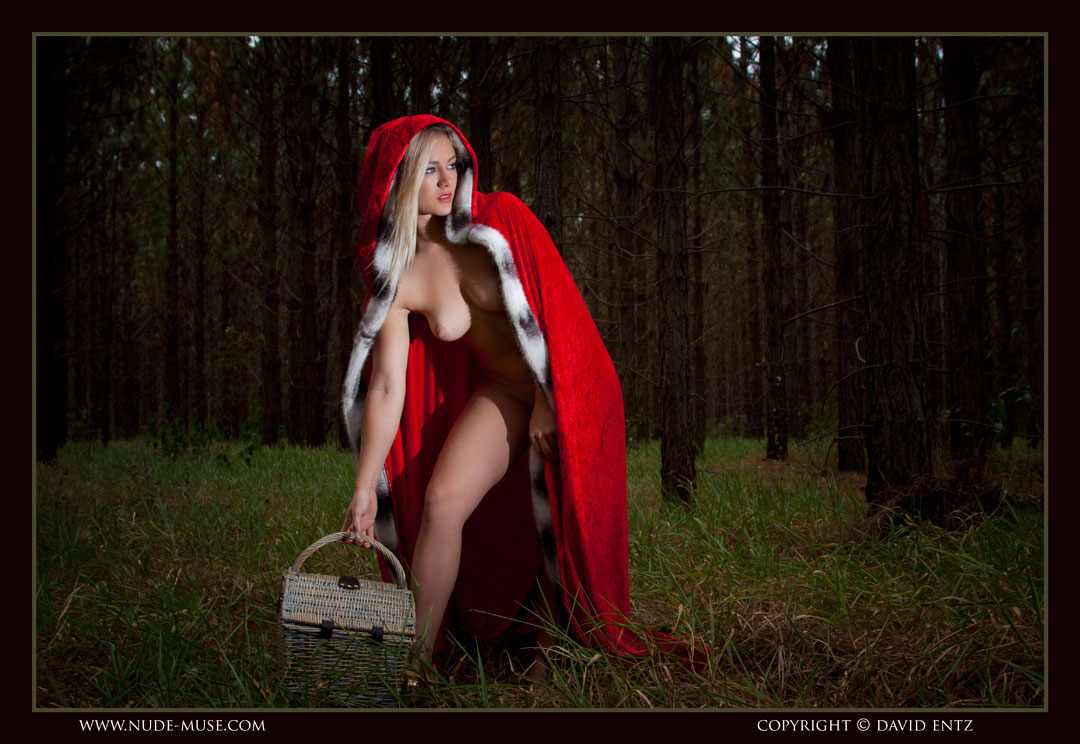 nude muse harper red riding hood025
