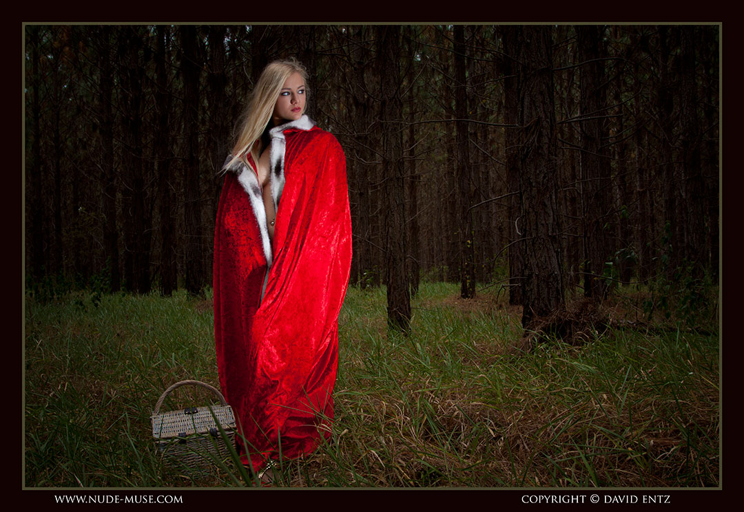 nude muse harper red riding hood033