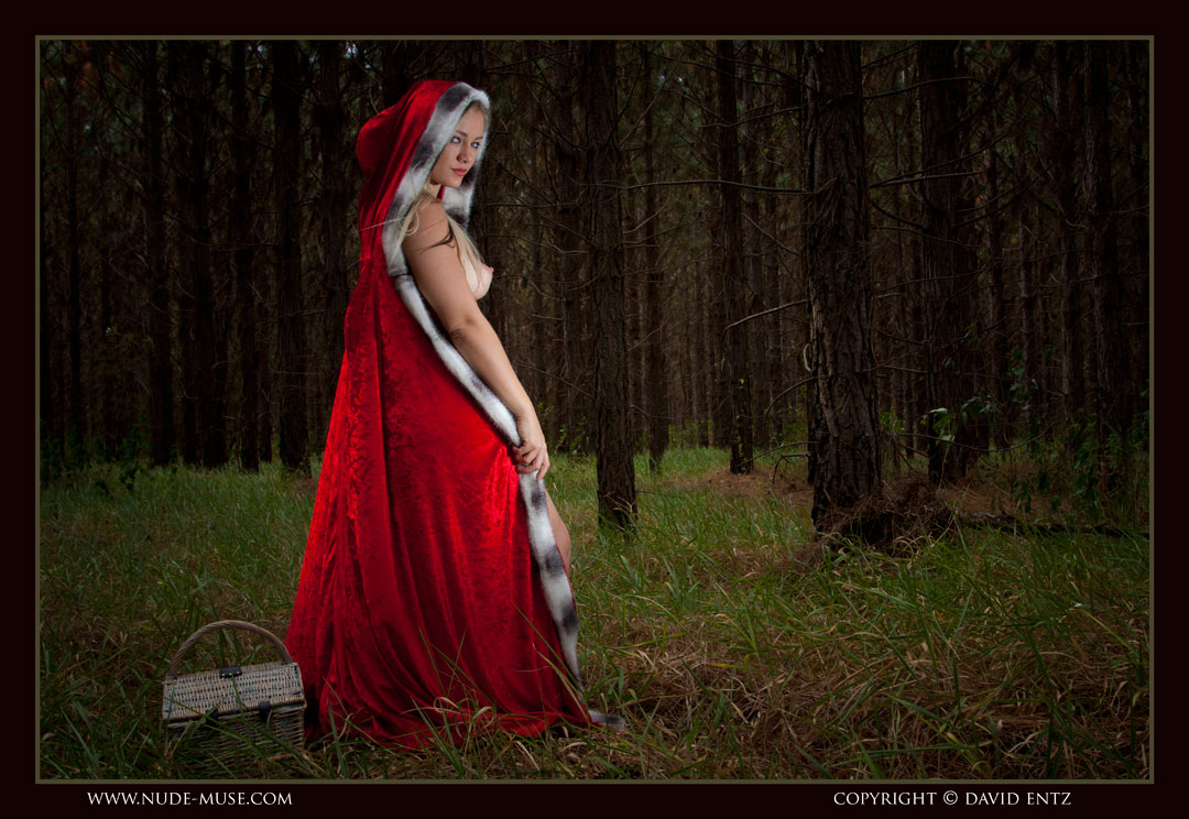 nude muse harper red riding hood051