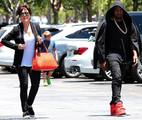 kanye-west-in-nike-air-yeezy-2-red-october-14-570x480