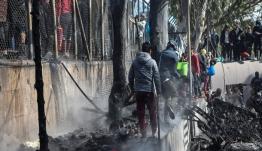 Λέσβος: Πυρκαγιά κατέστρεψε εγκαταστάσεις ΜΚΟ έξω από τη Μόρια