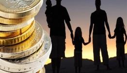 Σε ποιους & πότε θα αρχίσει να καταβάλλεται επίδομα 2.000 ευρώ για κάθε παιδί