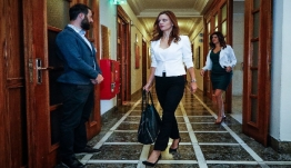 Ανακοινώνεται ο νέος κατώτατος μισθός - Τα επιχειρήματα του υπουργείου Εργασίας απέναντι στους θεσμούς