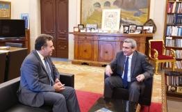 Συνάντηση του Περιφερειάρχη με τον βουλευτή Δωδεκανήσου, Μάνο Κόνσολα
