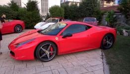 Η Πάτρα γέμισε Ferrari -Υποδοχή με παραδοσιακές στολές [βίντεο]