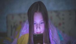 Από το «παιχνίδι πνιγμού» στην «μπλε φάλαινα»: Οι φονικές προκλήσεις που τρομοκρατούν τους γονείς