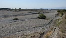 Σοκαριστικές εικόνες: Στέρεψαν τα ποτάμια των Τρικάλων