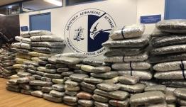 Κόρινθος: Βουνό από ναρκωτικά μέσα σε βανάκι – Ένας ανήλικος ανάμεσα στους συλληφθέντες [video]