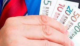 Διώξεις σε βαθμό κακουργήματος σε δύο «εισαγόμενους» εφοριακούς για δωροδοκία