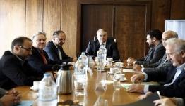 Και ο ΣΥΡΙΖΑ στο «παιχνίδι» για την ψήφο των αποδήμων – H συζήτηση στη διακομματική και ο «μουτζούρης»