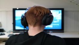 Το βλέπουν στο ίντερνετ, το κάνουν στο διάλειμμα: Αυτά τα παιχνίδια τροφοδοτούν bullying στα σχολεία