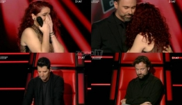 The Voice: Ξέσπασε σε κλάματα πάνω στη σκηνή! Συγκινημένοι οι coaches…