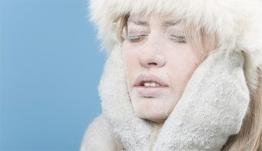 Ξηρό δέρμα τον χειμώνα: 5 λύσεις πέρα από την κρέμα χεριών