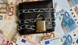 Κατασχέσεις 4,48 δισ. ευρώ αλλά τα φέσια αυξάνονται