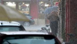 Καιρός αύριο: Βροχές, καταιγίδες και πτώση της θερμοκρασίας