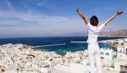Μύκονος, Σαντορίνη και Κρήτη κατέχουν τα πρωτεία του τουρισμού για το 2019