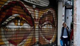 Βρούτσης: Πότε πληρώνονται τα επιδόματα 800 ευρώ και 600 ευρώ στους δικαιούχους