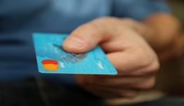 Δεκάδες τα e-shop «φαντάσματα» - Στημένα «στο πόδι» κοροϊδεύουν και αρπάζουν χρήματα καταναλωτών