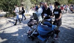 Στη Βουλή το επίδομα γέννας -Αντιπαράθεση για τις προϋποθέσεις χορήγησής του
