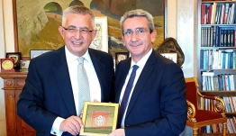 Εθιμοτυπική συνάντηση του Περιφερειάρχη με τον νέο Γενικό Πρόξενο της Τουρκίας στη Ρόδο