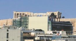 «Βόμβα»: «Χτίζουν» την Ακρόπολη! Η φωτογραφία - ντοκουμέντο