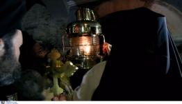 Άγιο Φως: Απαγορεύεται η διανομή του κατ' οίκον από τους δήμους