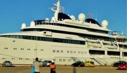Πόλος έλξης στην Κέρκυρα η πολυτελής θαλαμηγός της βασιλικής οικογένειας του Κατάρ