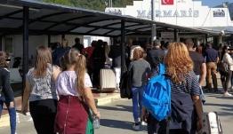 Κατά εκατοντάδες μεταβαίνουν στη Μαρμαρίδα οι Δωδ/νήσιοι για να κάνουν τα ψώνια τους!!!