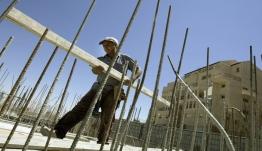«Εμφραγμα» στην οικοδομή λόγω αναστολής του ΦΠΑ 24%