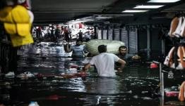 Χάος στην Κωνσταντινούπολη από ισχυρή βροχόπτωση-Πλημμύρισε το Μεγάλο Παζάρι