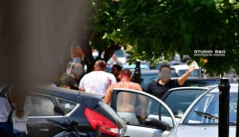 Ναύπλιο: Άγριο ξύλο και μαχαιρώματα έξω από το Εργατικό Κέντρο! Εικόνες που σοκάρουν