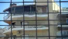 Στα 150.000 ευρώ ρίχνει η κυβέρνηση το όριο προστασίας του νόμου Κατσέλη