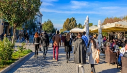Ερευνα καταπέλτης του ΔΝΤ για την παραοικονομία: 1 στα 3 ευρώ κινείται στη σκιά, οι επιπτώσεις σε φορολογία, κοινωνικές παροχές