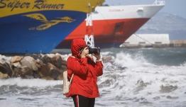 Πρόγνωση καιρού: Έως 8 μποφόρ στο Αιγαίο την Τρίτη – Πέφτει το θερμόμετρο