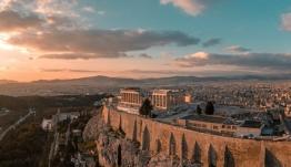 Η Ελλάδα βραβεύτηκε ως προορισμός οικογενειακών διακοπών