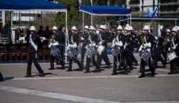 Με το «Μακεδονία Ξακουστή» η μπάντα του Πολεμικού Ναυτικού στο Σύνταγμα [βίντεο]
