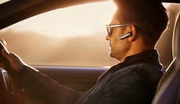 Mεγάλη αλλαγή με handsfree και οδήγηση-Προβλέπονται τσουχτερά πρόστιμα