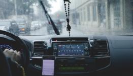 Ελληνες μαθητές Λυκείου έφτιαξαν εφαρμογή για τους οδηγούς που έχουν νεύρα