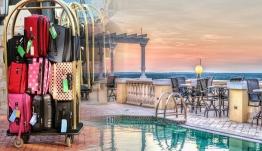 Ξενοδοχεία στα νησιά: «Ψαλίδι» έως και 25% στις τιμές για να σωθεί ο Ιούλιος