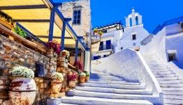 Υμνοι της Telegraph για την Ελλάδα: Ιδανική επιλογή για οικογενειακές διακοπές -Ποιους προορισμούς προτείνει