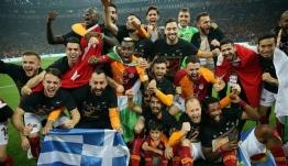 Ο Μήτρογλου πανηγύρισε με ελληνική σημαία το πρωτάθλημα Τουρκίας με την Γαλατάσαραϊ