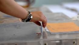 Ευρωεκλογές: Μπαίνουν δημόσιοι υπάλληλοι στις εφορευτικές επειδή δεν φτάνουν οι δικηγόροι