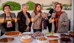 """""""Aegean mamas know best"""" & """"Aegean Gardeners"""":  Η Σαντορίνη επιβεβαίωσε την μεγάλη  γαστρονομική κληρονομιά και τα μοναδικά  προϊόντα της"""