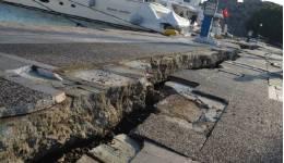 18 μήνες μετά το σεισμό, ακόμα περιμένουν οι πολίτες της Κω να ξεκινήσουν τα έργα αποκατάστασης του λιμανιού - Ερώτηση στη Βουλή από Μάνο Κόνσολα και Κώστα Καραμανλή.